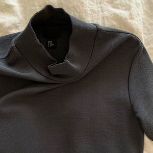 H&M black mock shirt